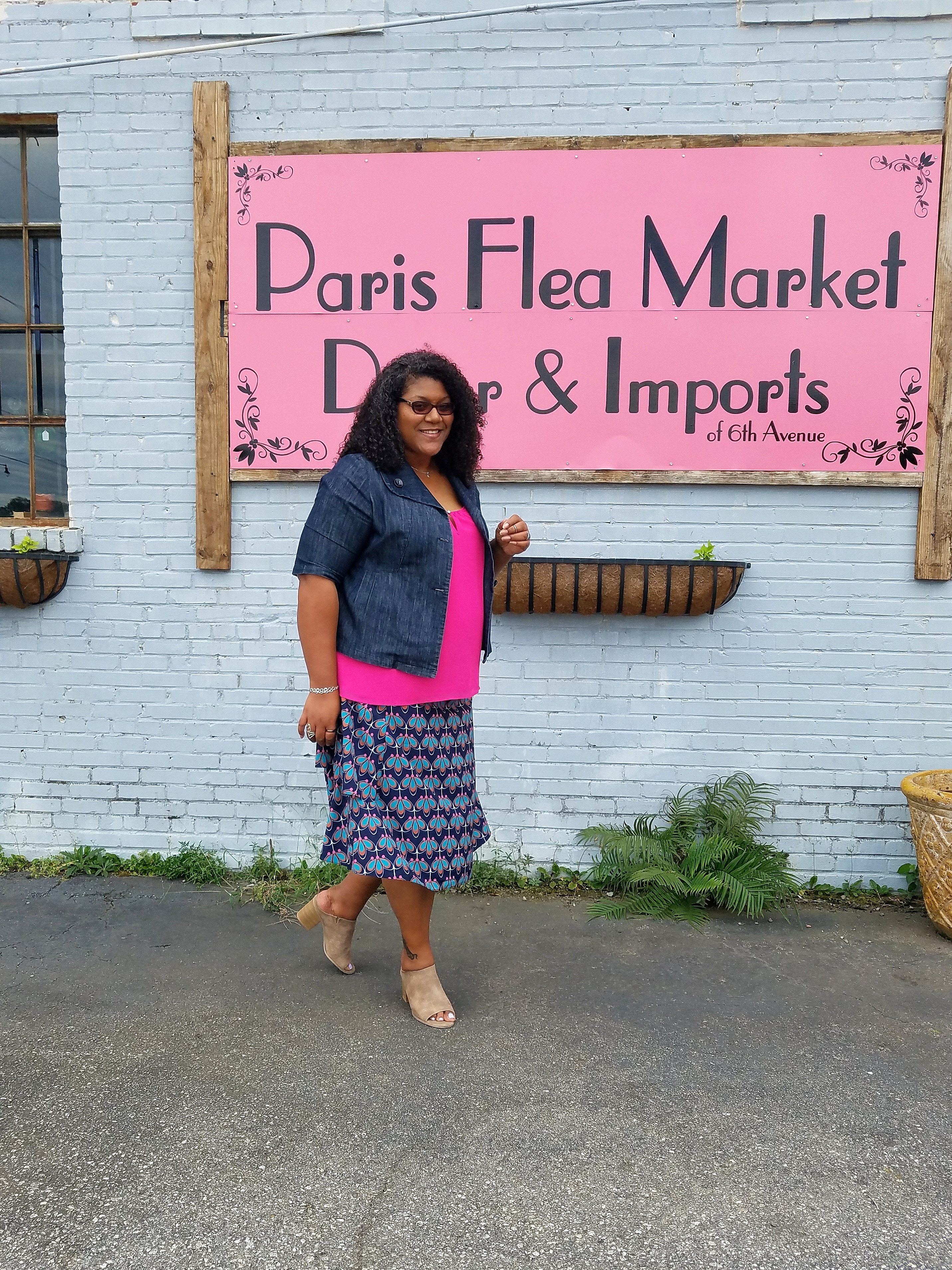 tall plus size blogger